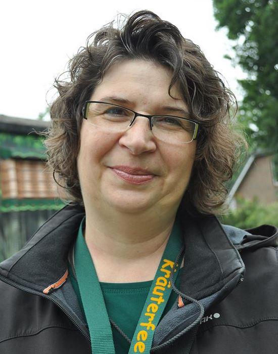 Kräuterfee Tina (Kräuterpädagoge Gundermannschule)